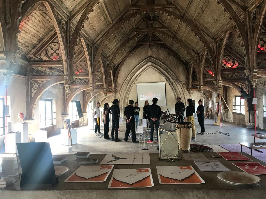 Team AMI opent de expositie in 2018